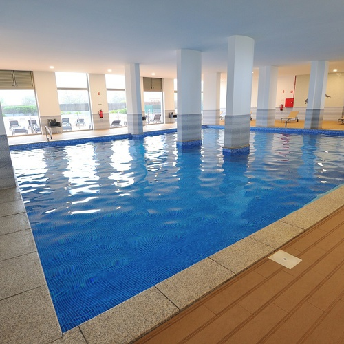 Piscina interior Apartamentos Oceano Atlântico